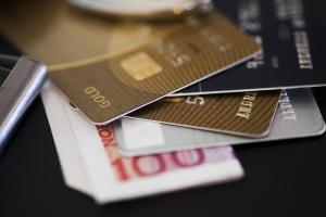 credit-cards-1439332-m.jpg
